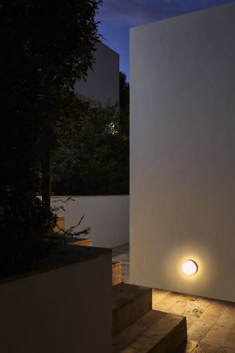 Outdoor Lamp - Plaff-on!