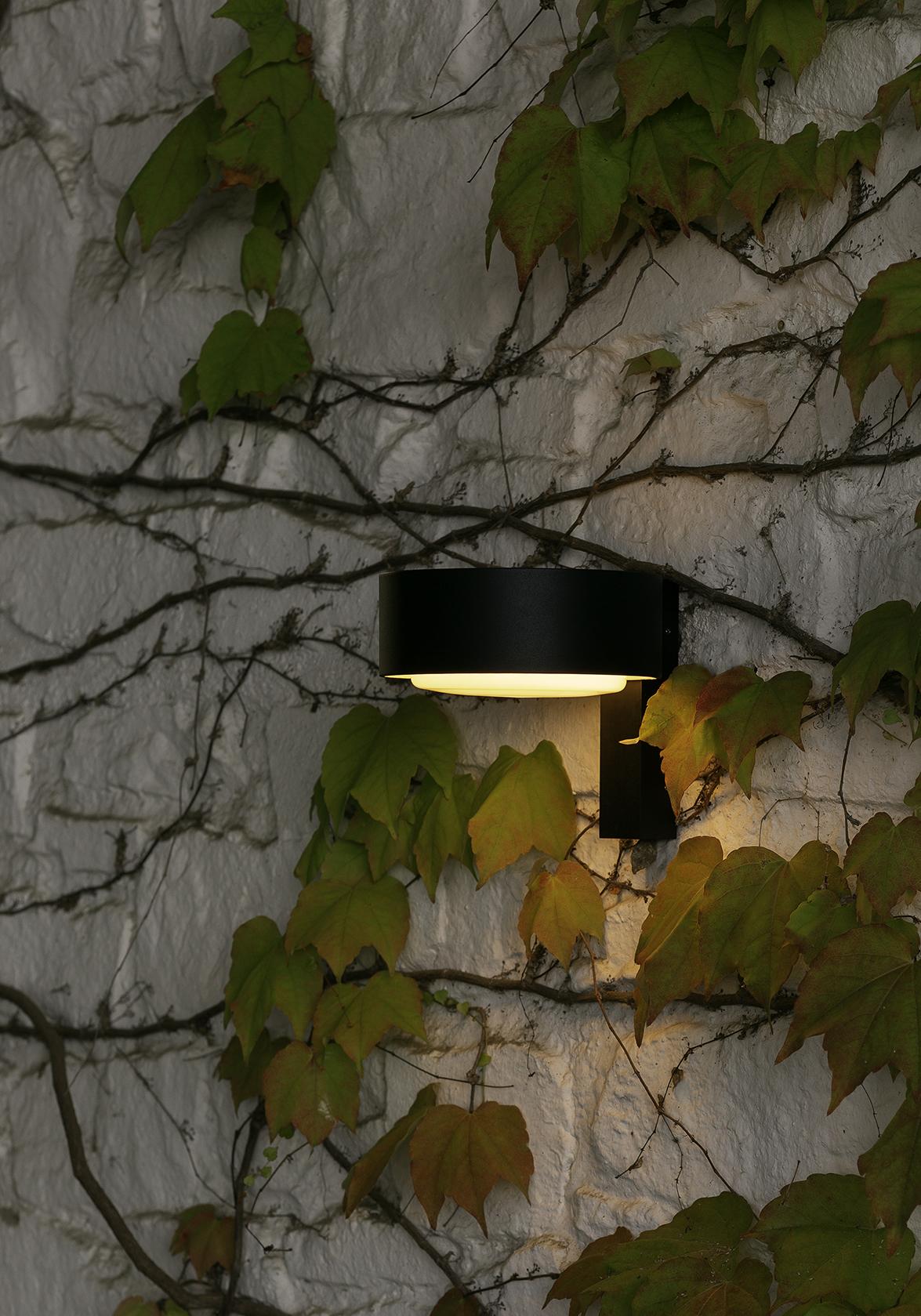 Wall Lamp - Plaff-on!