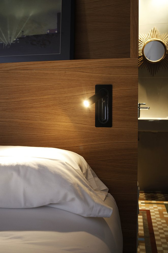 Ledtube black Hotel Alexandra1_low
