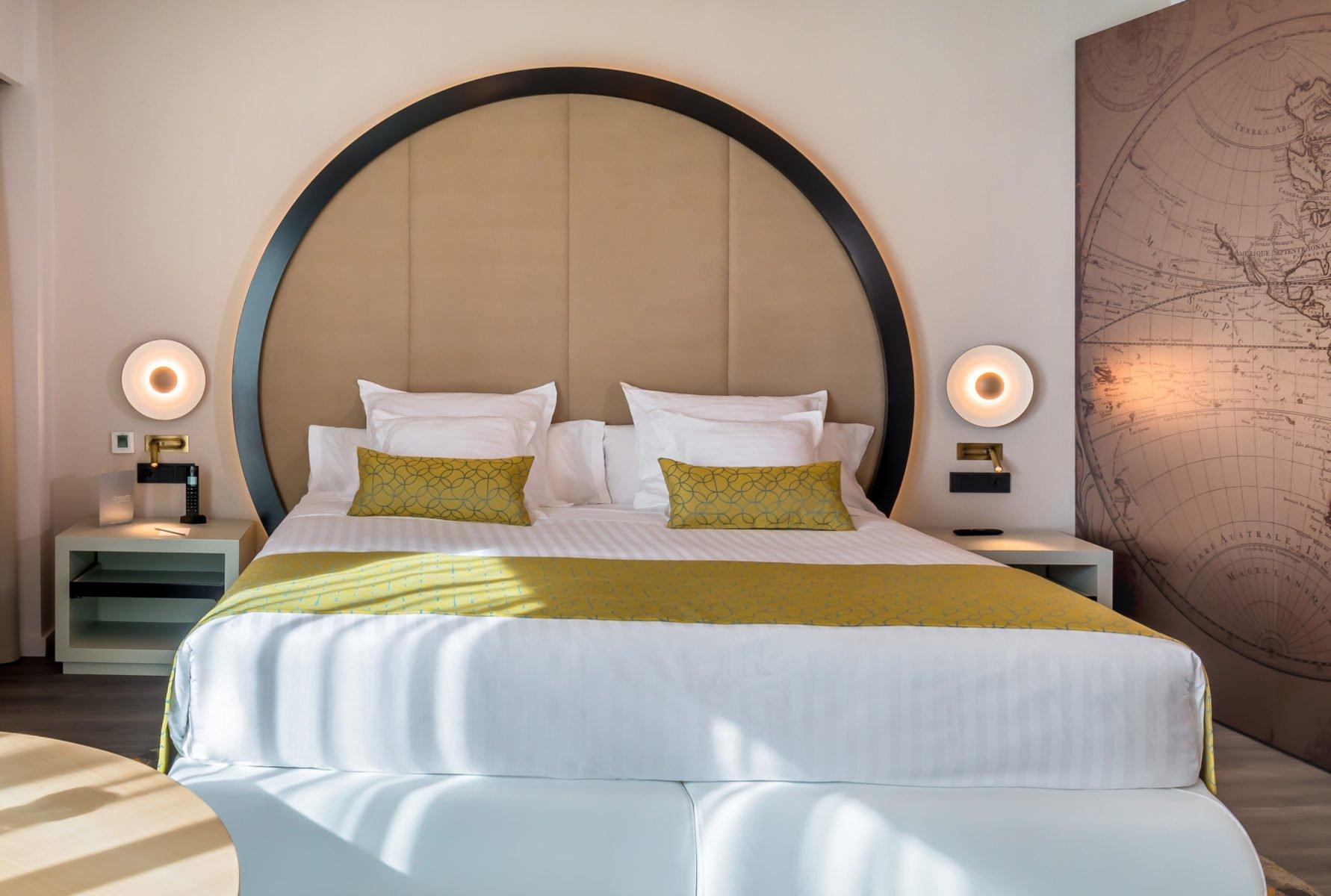 es-hotel-barcelo-sevilla-ginger-ledtube
