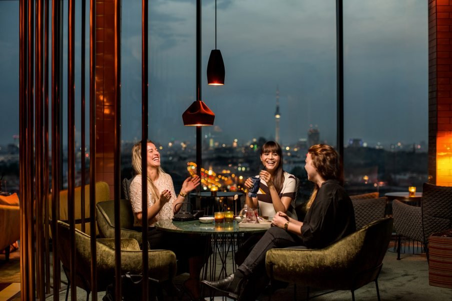 DE SKYBAR BERLIN PLEAT BOX